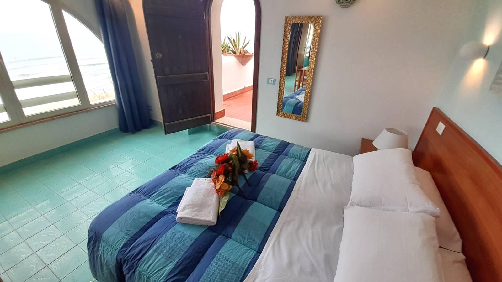 elianto_residence_anzio_appartamenti_fronte_mare_hotel_orchidea_interno_25