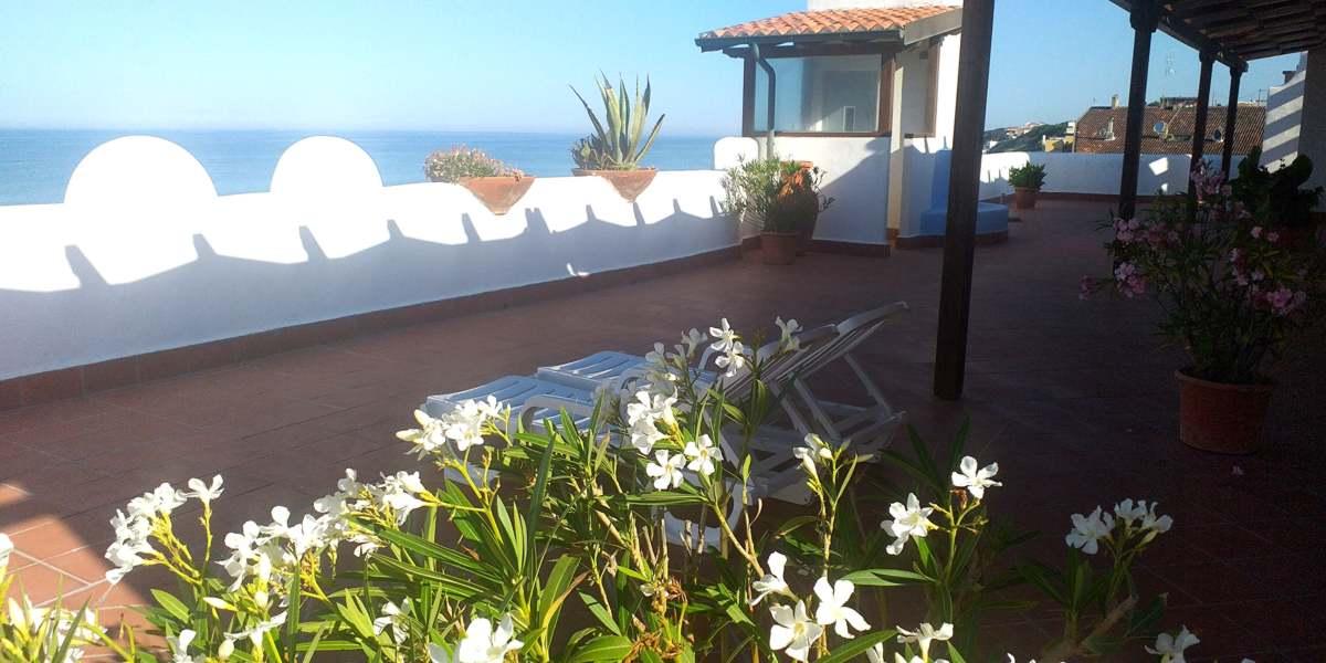 elianto_residence_anzio_hotel_appartamenti_fronte_mare_ginestra_terrazzo