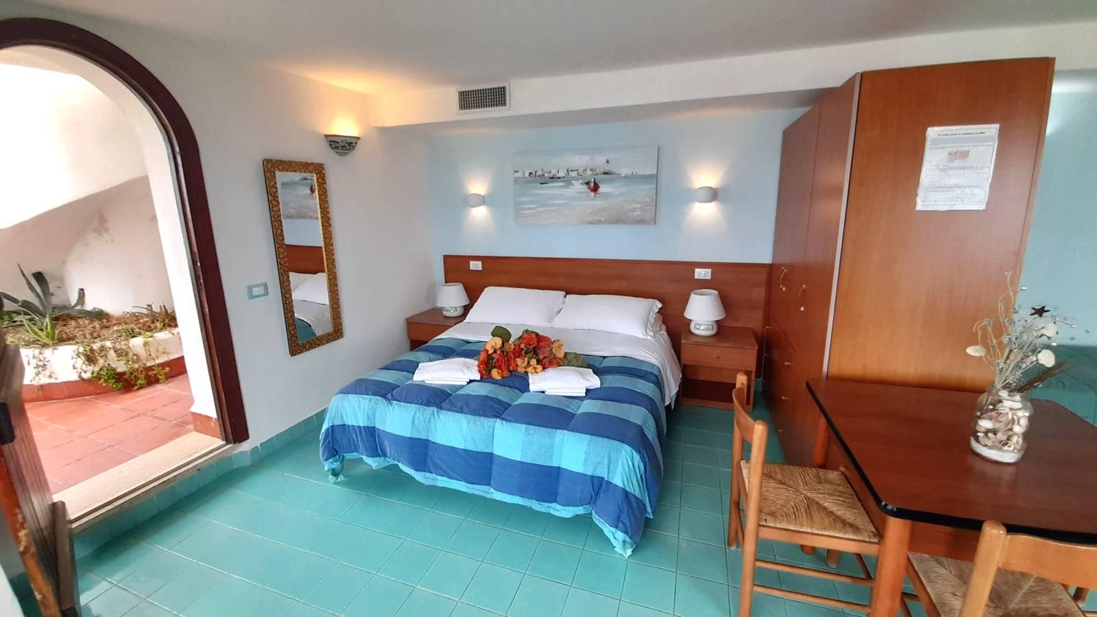 elianto_residence_anzio_appartamenti_fronte_mare_hotel_orchidea_interno_26