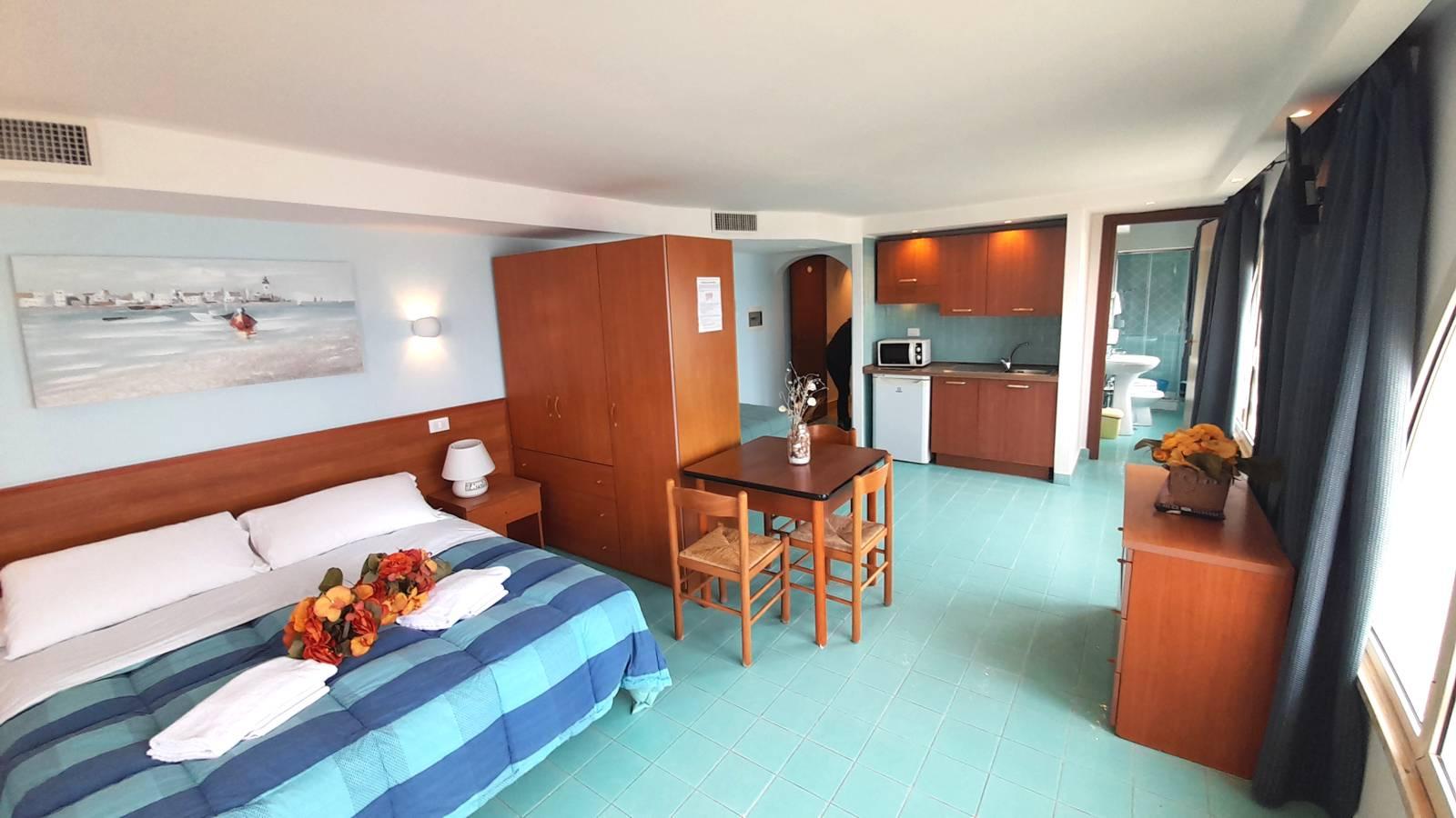 elianto_residence_anzio_appartamenti_fronte_mare_hotel_orchidea_interno_27