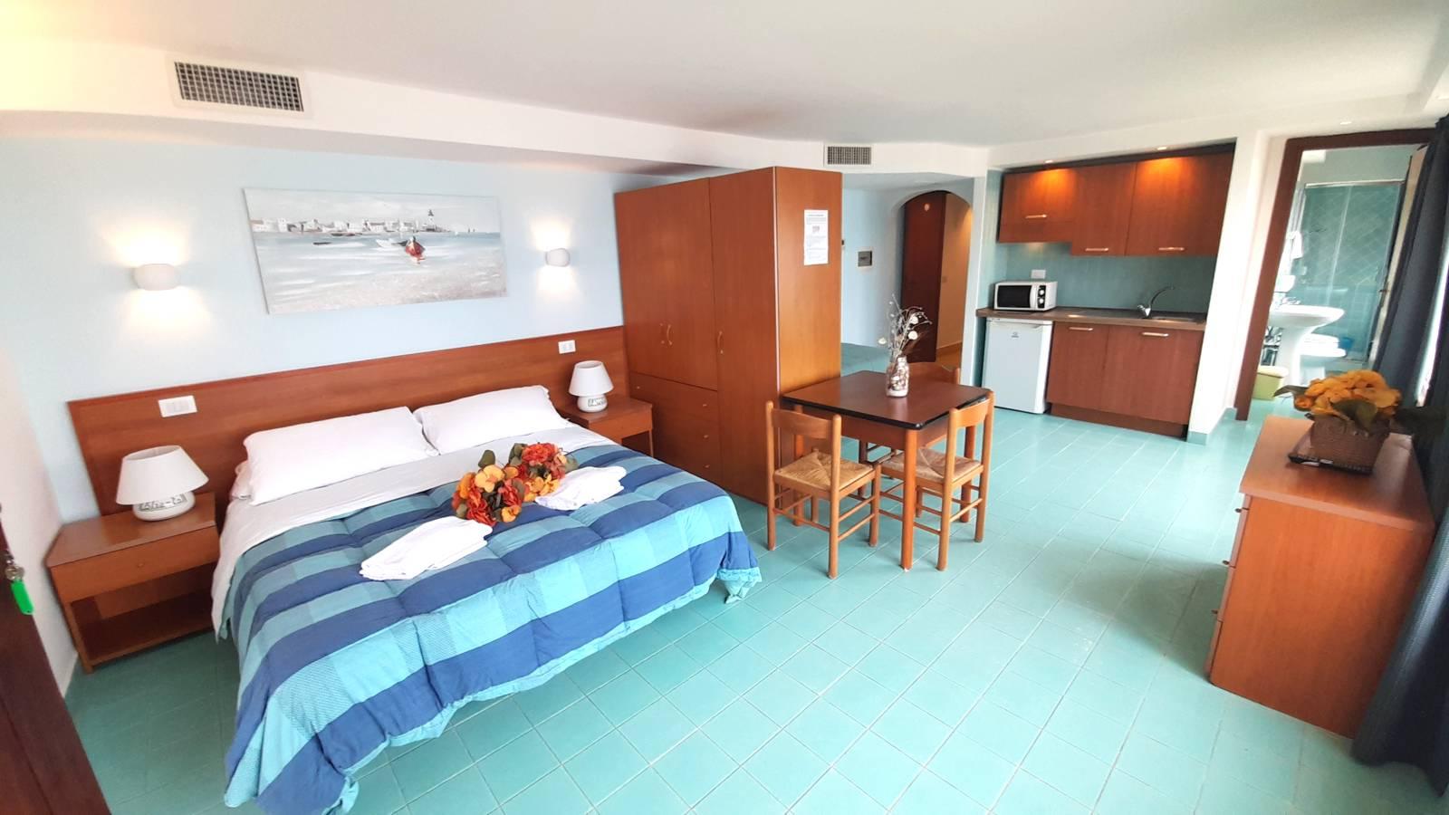 elianto_residence_anzio_appartamenti_fronte_mare_hotel_orchidea_interno_28