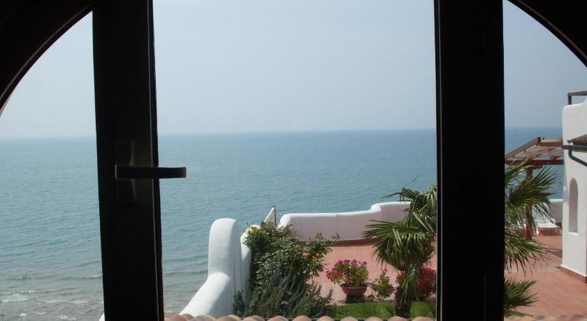 elianto_residence_anzio_appartamenti_fronte_mare_hotel_anemone_interno_7