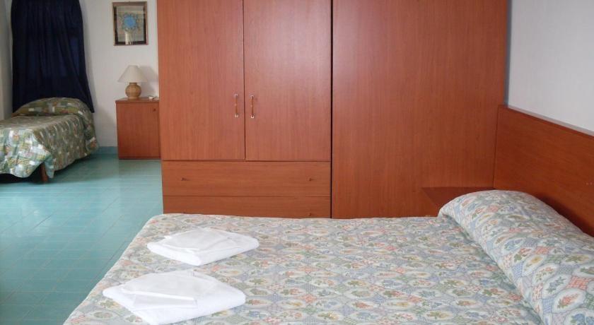 elianto_residence_anzio_appartamenti_fronte_mare_hotel_anemone_interno_8