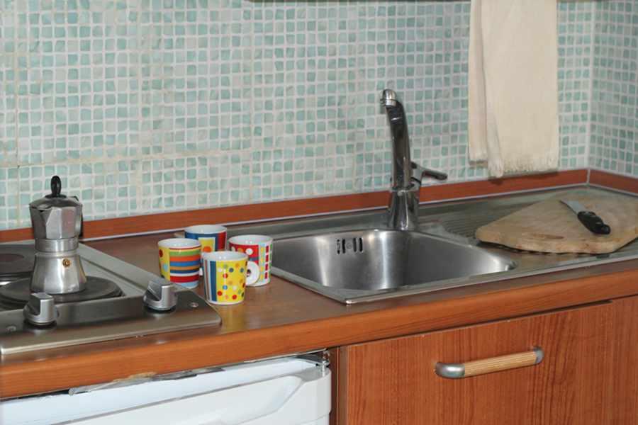 elianto_residence_anzio_appartamenti_fronte_mare_vacanze_oleandro_interno_9
