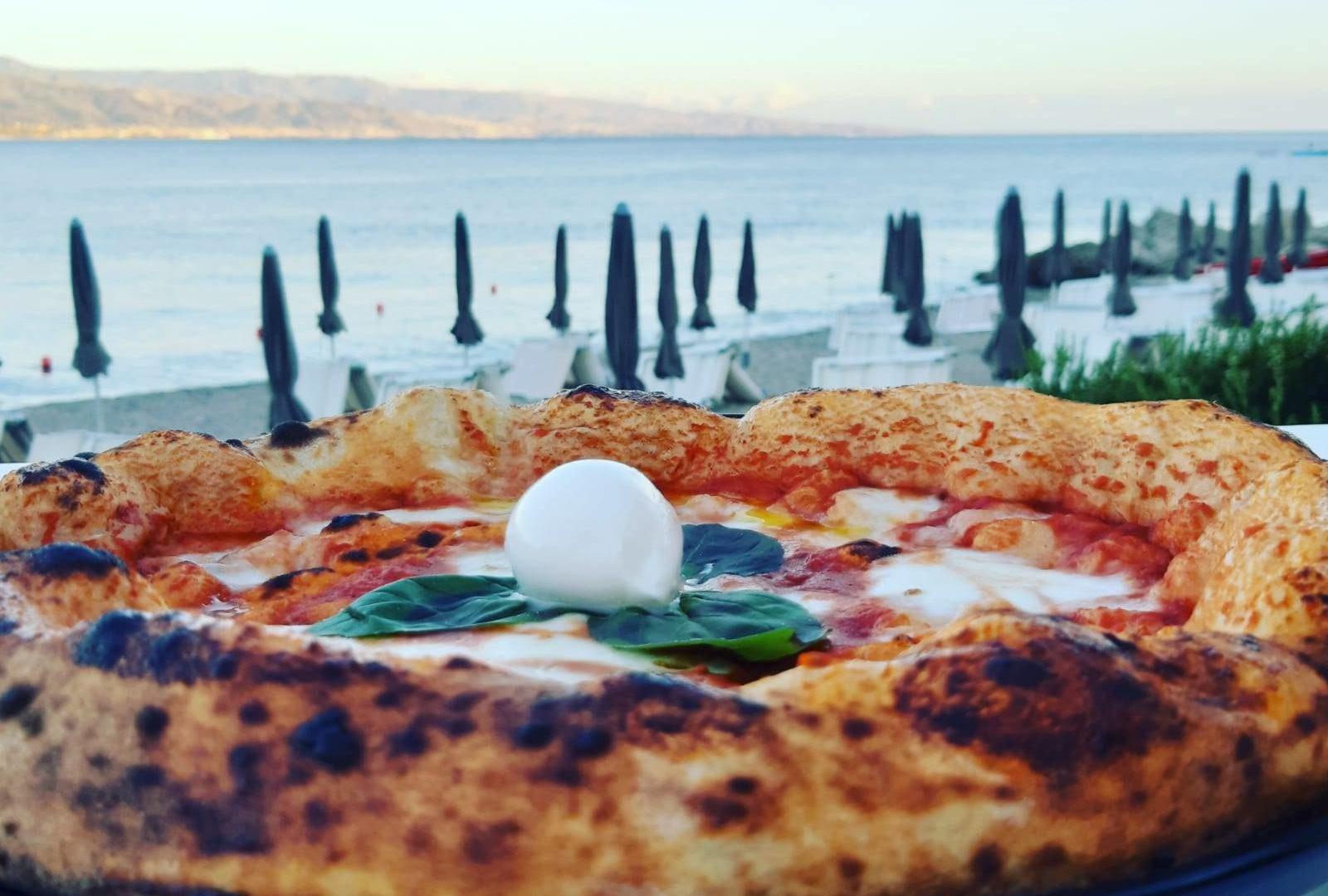 pizza_napoletana_anzio_elianto_appartamenti_fronte_mare
