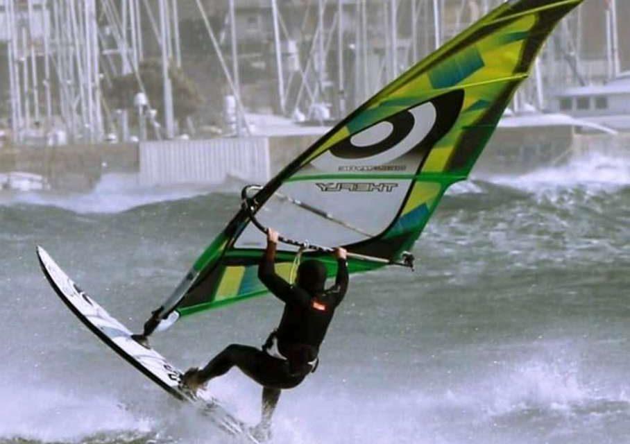 elianto_anzio_appartamenty_fronte_mare_surfing